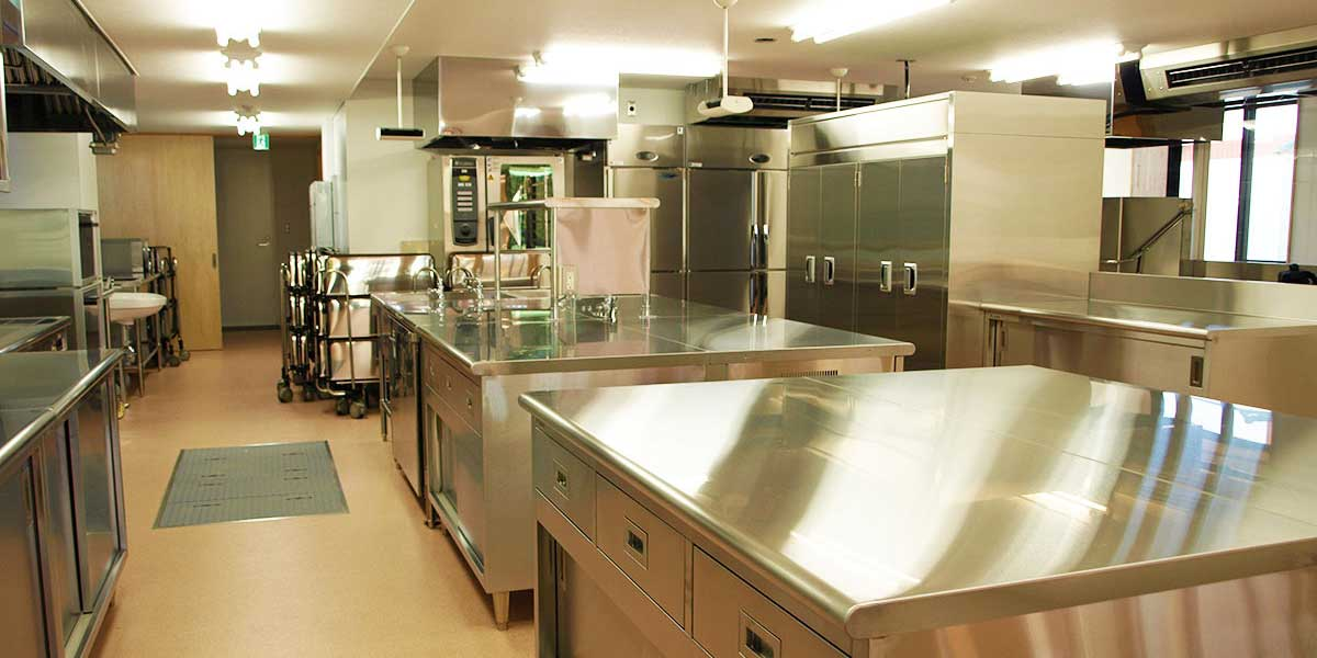 ステンレス製厨房設備なら若杉工業へ